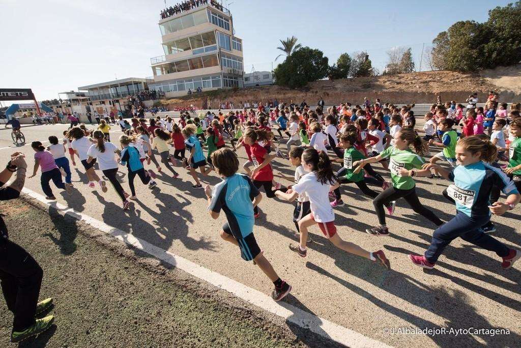 Circuito Jumilla : El cross escolar reúne a unos 1.500 escolares del municipio en el